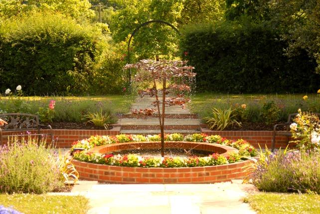 Free garden designs funny images gallery for Blackbird designs english garden