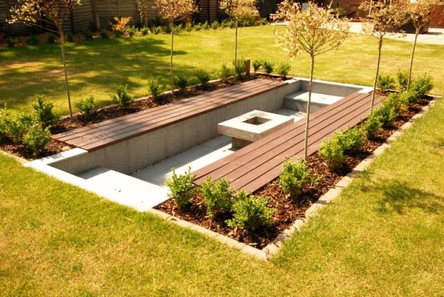 Stoke poges sunken seating dream gardens for Sunken outdoor seating