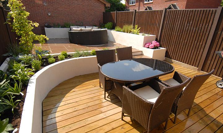 Slough modern small garden dream gardens for Modern garden beds