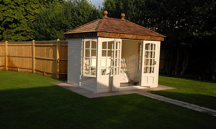 Windsor Summerhouse Dream Gardens